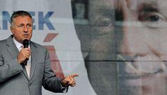 Dovolená u Berlusconiho byla chyba, přiznal Topolánek